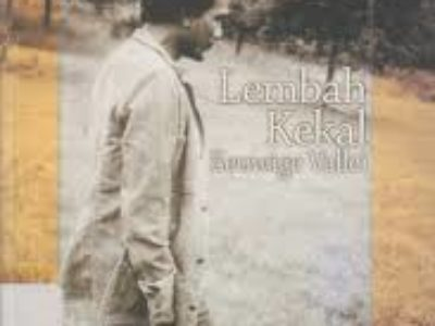 LEMBAH KEKAL (Eeuwige Vallei) : Sajak-Sajak Sitor Situmorang dalam Bahasa Indonesia dan Terjemahan Bahasa Belanda.